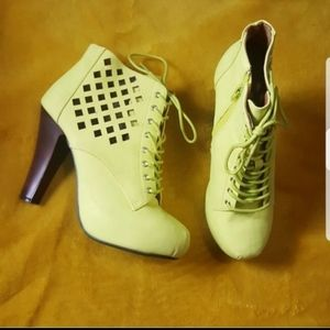 Bootie size 9